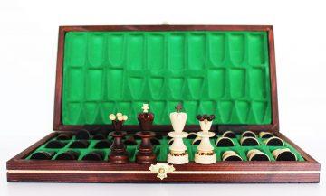 Drevené šachy veľké z kazete.